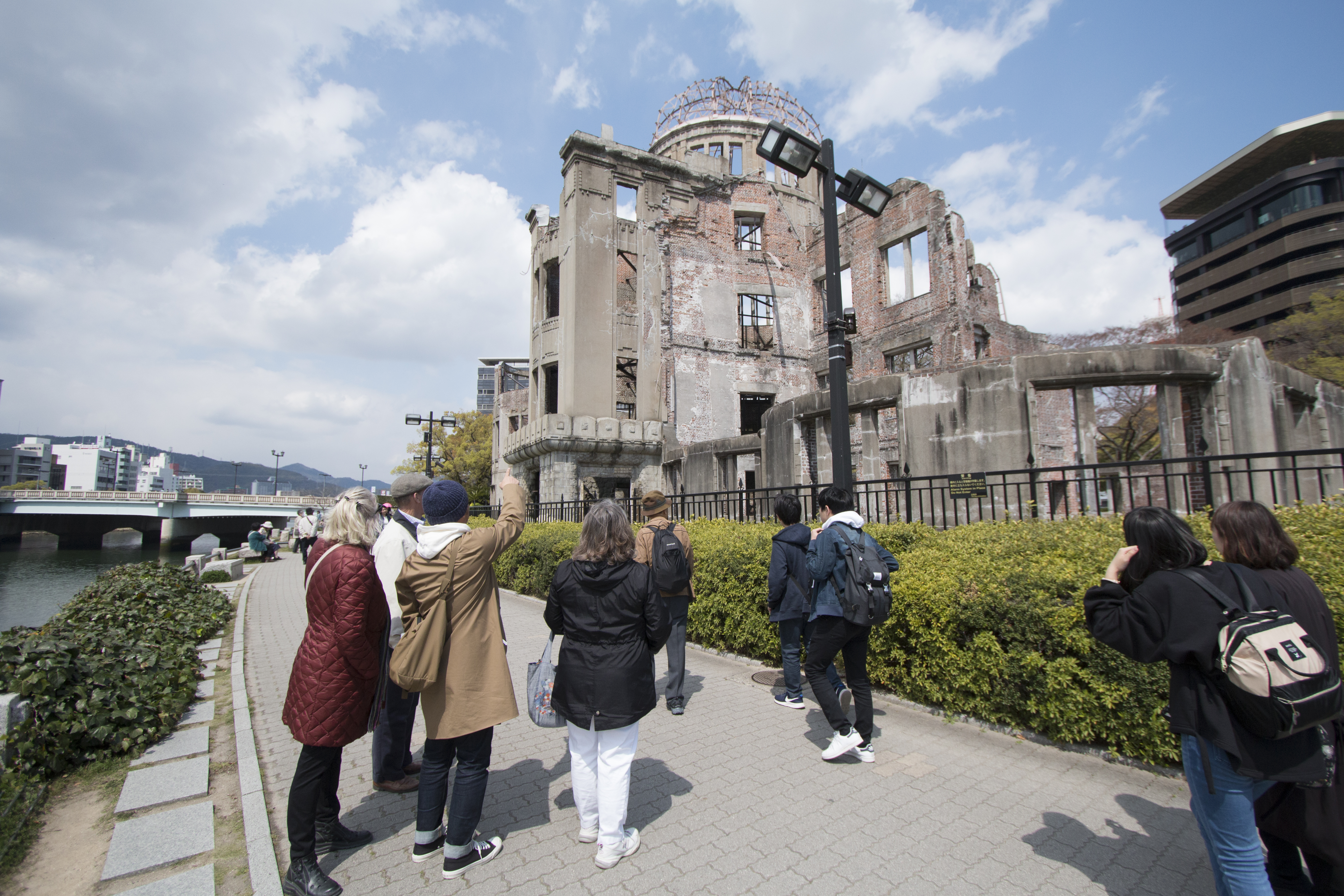 4-Hour Hiroshima Peace Walking Tour at World Heritage Sites